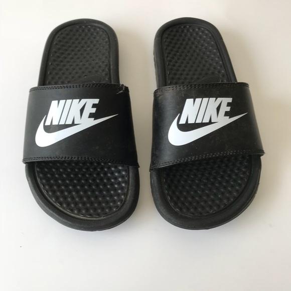 check out 4a992 46001 Kids Black Nike Flip Flop Slides size 3. M 5b78db394cdc30c7fe2efe11